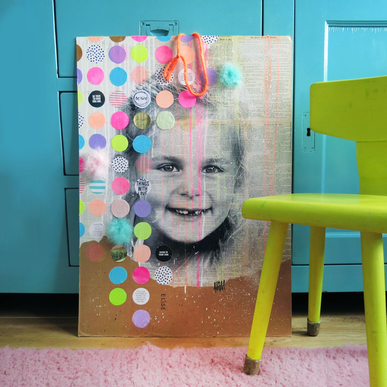 Stippen portret van meisje op paneel